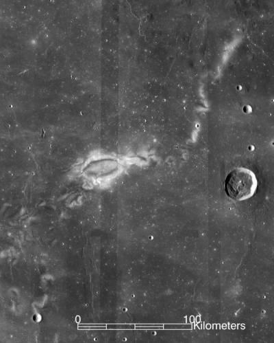 Узоры на Луне состоят из тёмных и светлых пятен